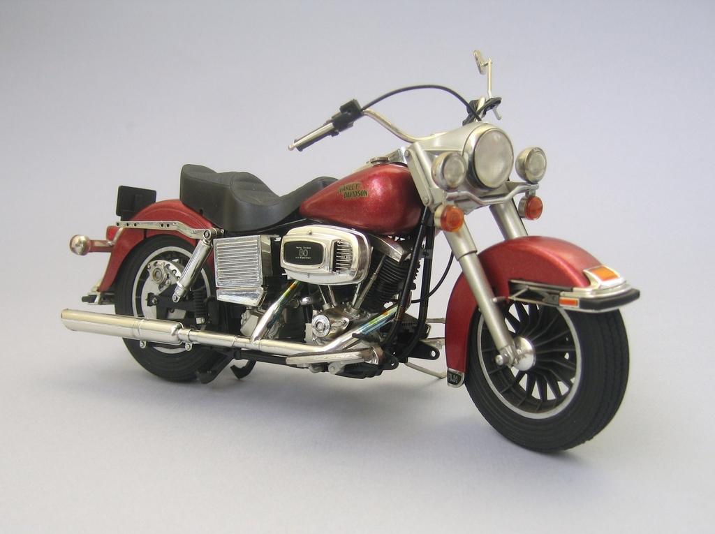 spirit modelcar afficher le sujet mes motos. Black Bedroom Furniture Sets. Home Design Ideas